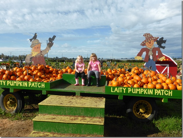 Emma & Brit pumpkin patch - Guenette photo