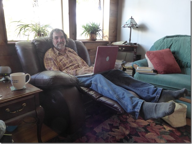 Bruce and the old Dell laptop - Guenette photo