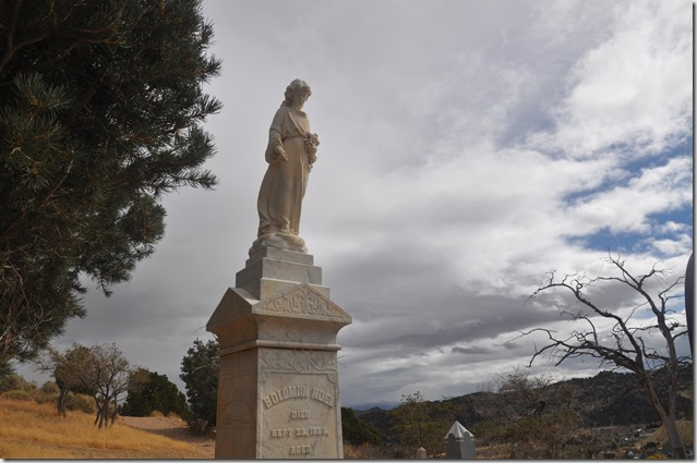 Angel grave stone