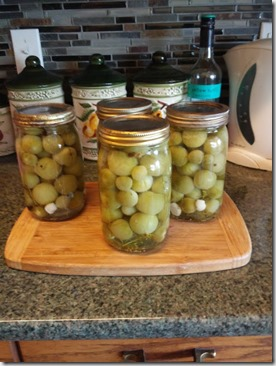 Green cherry tomato pickles