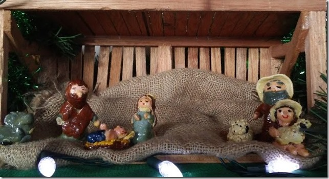 Nativity set  (2)